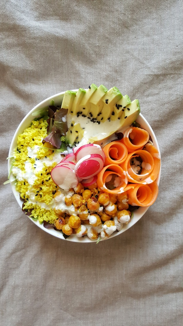 roasted-chickpea-and-turmeric-couscous-buddha-bowl-straightupbananas